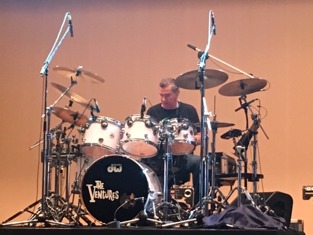 the ventures japan tour 2019, Leon Taylor doing sound check before the show